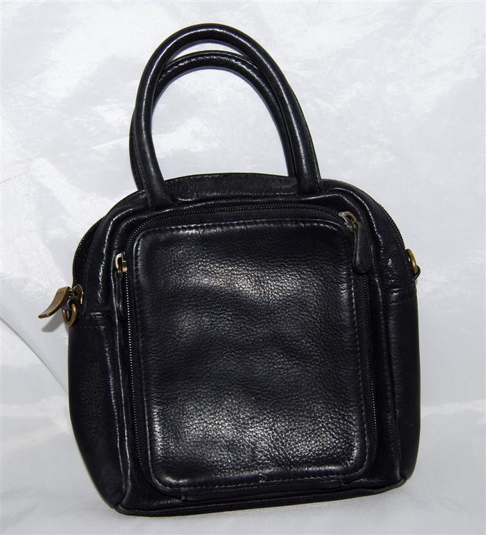 5d6e3de08a Details about Fossil Black Pebbled Leather W 2 Outside Pockets Purse